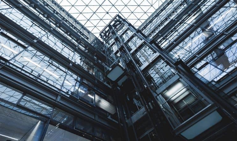کفشک آسانسور چیست و چه کارایی دارد؟ معرفی بهترین کفشک آسانسور