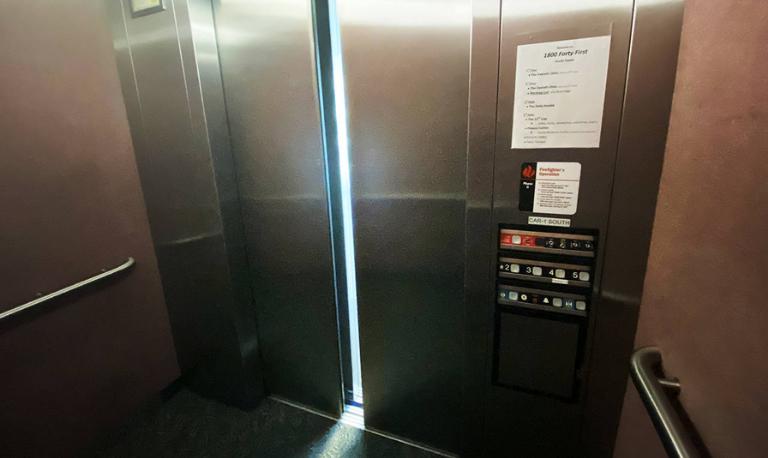 علت سوختن و خرابی درایو و برد آسانسور چیست؟ راههای عیب یابی و تعمیر